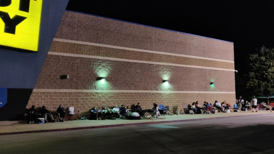 Hundreds Wait Up to 20 hours for Graphics Card Restock at local Best Buy; including SHS Students and Alumni